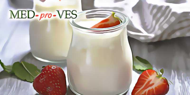 Йогурт с клубникой при похудении